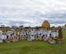 Воспитанники лагеря «Айылгы» на Ысыахе Туймаады-2018