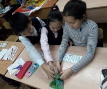 «День матери» и «День благодарения» на уроке английского в Айылгы
