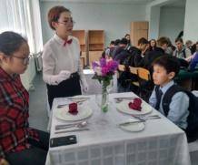 Воспитанники кружка «Юный кулинар»(Амтаннаах ас) на мастер классах по Ресторанному делу