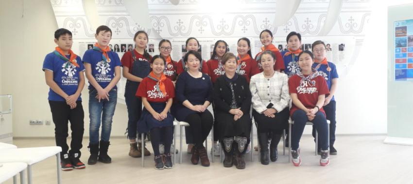 Воспитанники «Айылгы» в музее «Материнской славы Якутии»